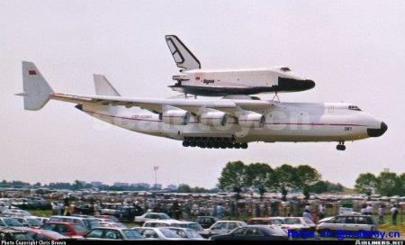 全世界最大的运输机与飞机